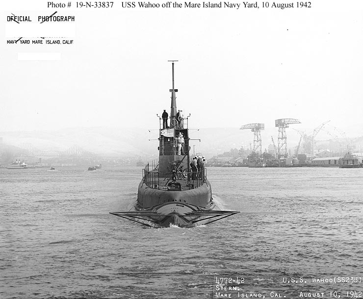 Sous-marin USS GATO 1943 - Page 2 Gato_class__rear_full
